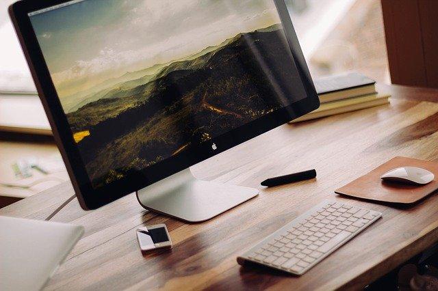 Počítač a klávesnice