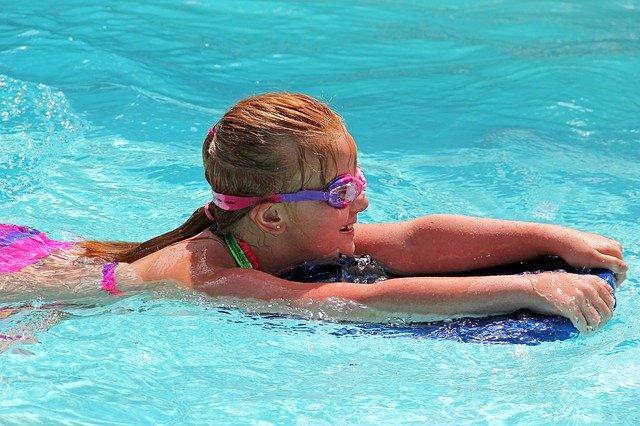 plavání s destičkou